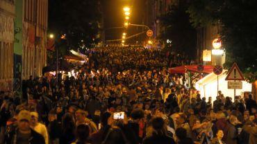 Louisenstraße kurz vor Mitternacht