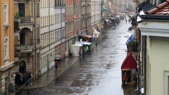Regen macht die Straße nass, BRN macht trotzdem Spaß.