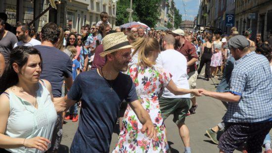 Sonntagstanz auf der Kamenzer Straße