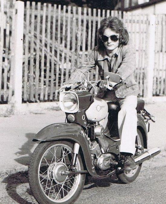 """Erhard Sünder in den 1970ern auf seinem """"Star""""."""