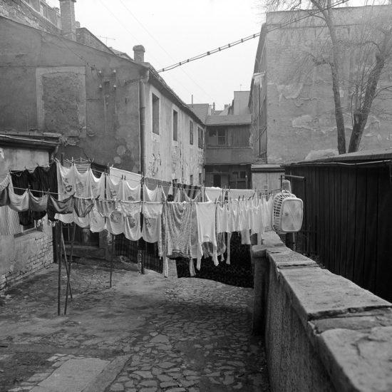 Wäsche im Hof - Foto: Günter Starke