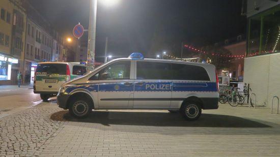 Polizei an der Alaunstraße