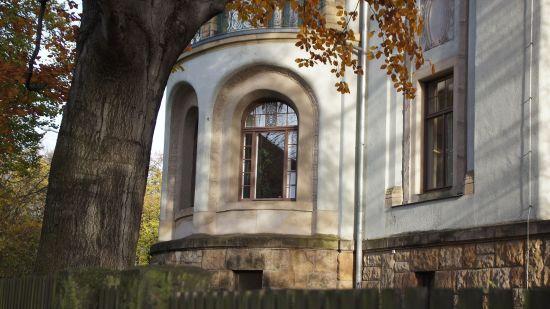 Verwunschene Schlösschen, Gärten wie gerahmt auf der Klarastraße