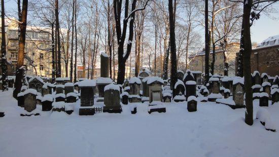 Eingeschneider Jüdischer Friedhof an der Pulsnitzer Straße.