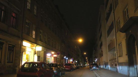 Alaunstraße bei Nacht