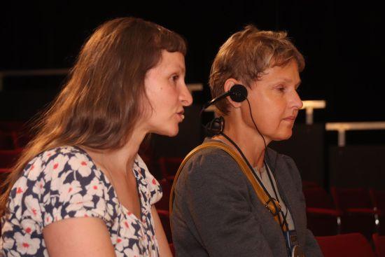 Während der Vorstellung wird Anke Nicolai dann aber in einer Sprecherkabine sitzen, um die übrigen Zuschauer nicht zu stören.