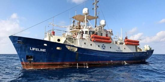 Das Schiff von Mission Lifeline auf dem Mittelmeer.  Foto: Mission Lifeline