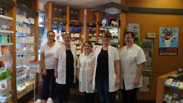 v.l.n.r.: Elisabeth Schulze, Ina Freigofas, Konstanze Malt, Lisa Hopf und Christine Kunert von der Schauburg-Apotheke