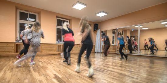 Tanzgruppe in der Louise - Foto: Malwina e.V.