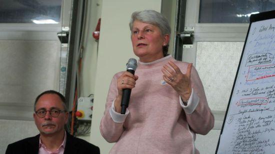 Erläuterte die Zuständigkeiten des Ordnungsamtes: Abteilungsleiterin Jutta Gerschner