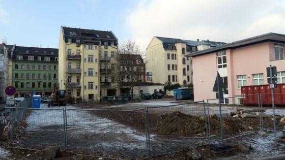 Das rosa Hinterhaus ist noch gar nicht so alt, es wird aber abgerissen.
