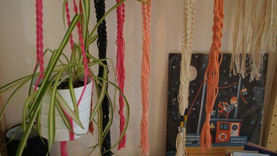 Makamee-Blumenampeln. Ab April voraussichtlich auch als Workshop.
