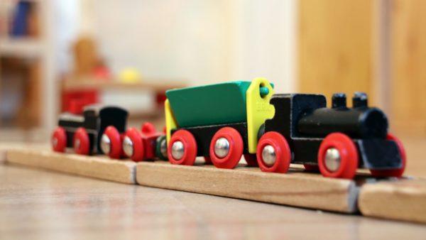 Spielzeug-Eisenbahn