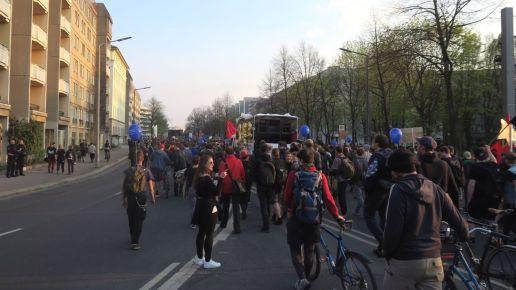 Demonstrationszug auf der Albertstraße