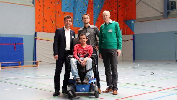 Steffen Tampe, Geschäftsführer Stefan Sadlau, Frank Elsner (v.l.) und vorn Acacio Cossa.