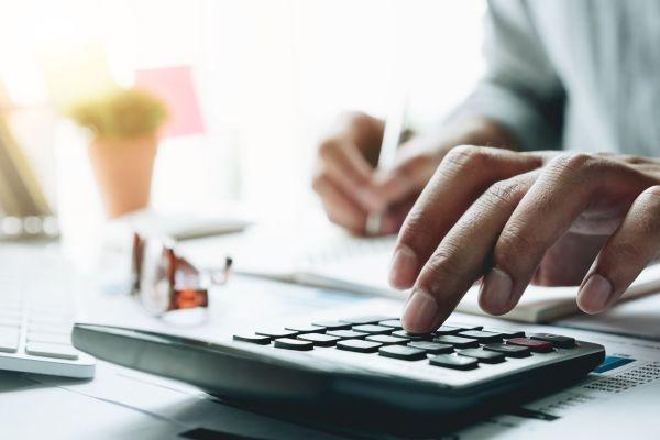 Gute Budgetplanung ist wichtig. Foto: Fotolia.com © Natee Meepian #220756002