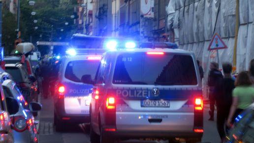 Demo mit Polizeibeleuchtung