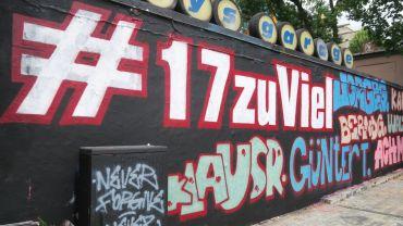 Neues Graffito an der Rückseite von Katys Garage: #17zuViel