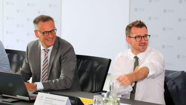 Stefan Szuggat, Leiter des Stadtplanungsamts und Verkehrsbürgermeister Raoul Schmidt-Lamontain