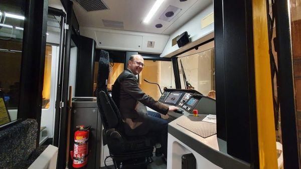 Die DVB suchen dringend Straßenbahnfahrer. Foto: Winfried Schenk