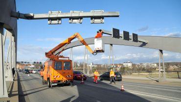Beschädigte Signalanlage auf der Waldschlößchenbrücke - Foto: Roland Halkasch