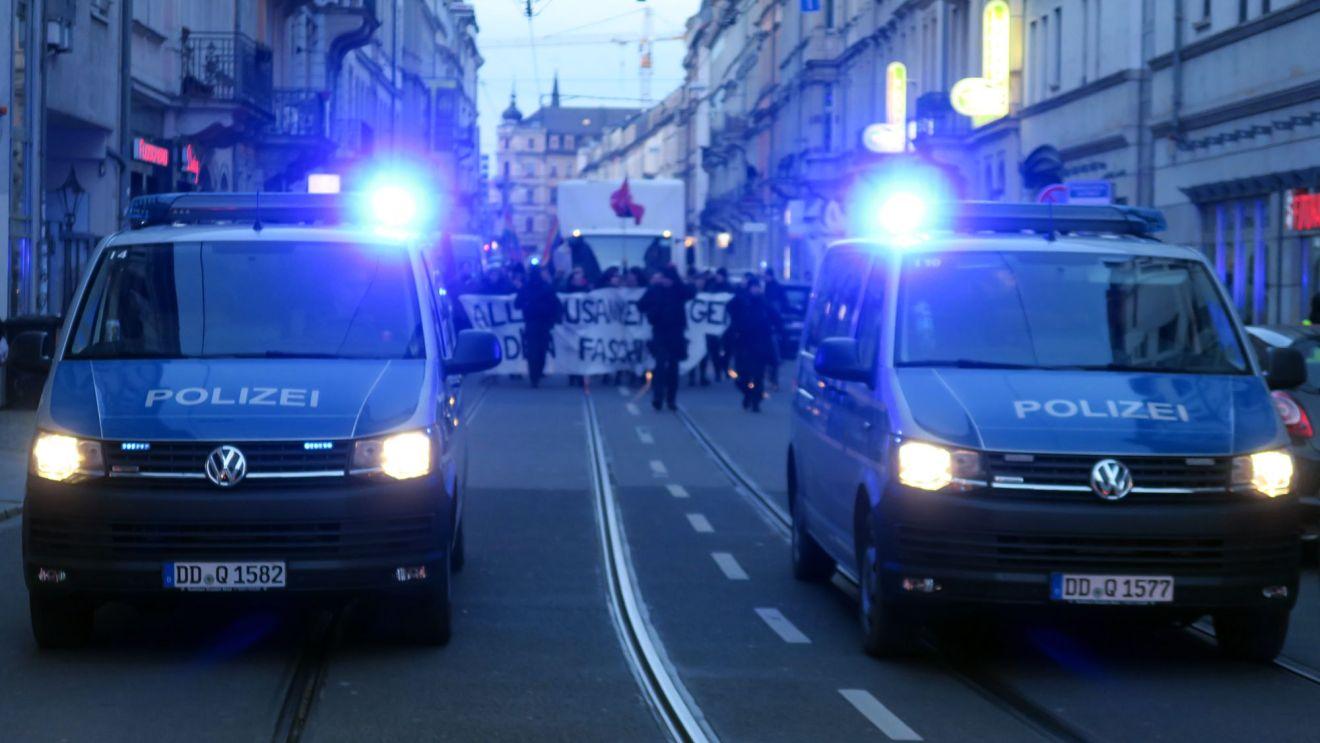 Demonstration auf der Rothenburger Straße