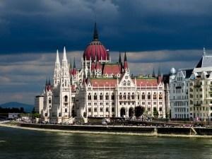 Never Ending Honeymoon | Budapest, Hungary