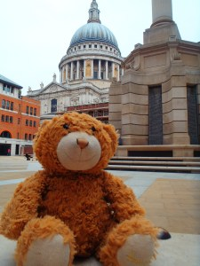 Never Ending Honeymoon | Frank Harrod at St Paul's Cathedral, London