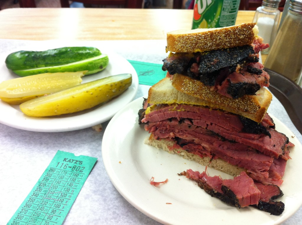 Never Ending Honeymoon | Food porn in Katz Deli in NYC