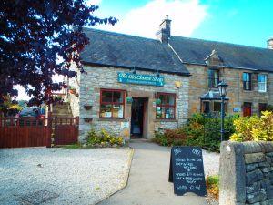 Never Ending Honeymoon | Cheese shop in the Peak District, UK