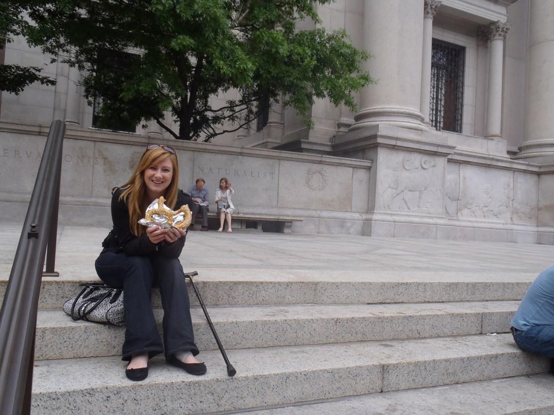 Never Ending Honeymoon: Jacqui eating pretzels in New York City!