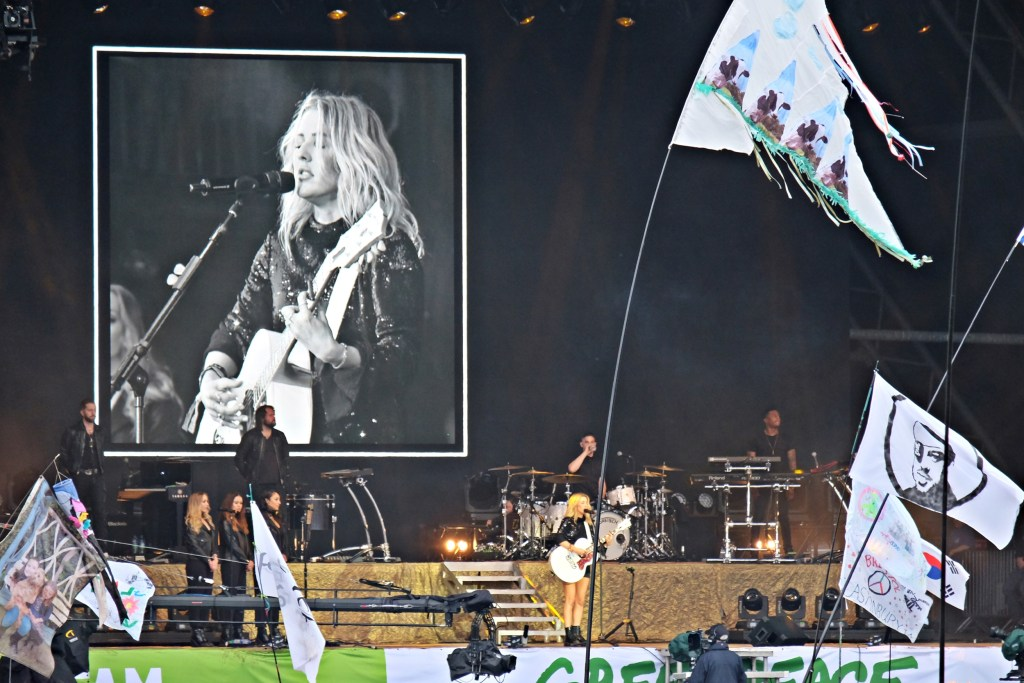 Glastonbury 2016 26 June Sunday night Ellie Goulding 2 WS