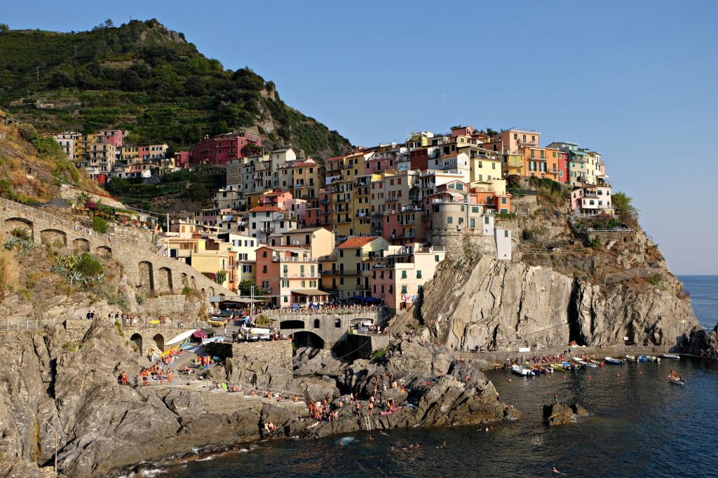 Never Ending Honeymoon | Why the Cinque Terre, Itlay, needs to be on your bucket list