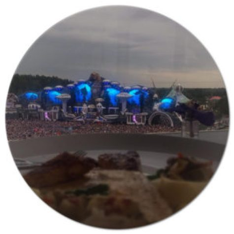 Tomorrowland main stage restaurant