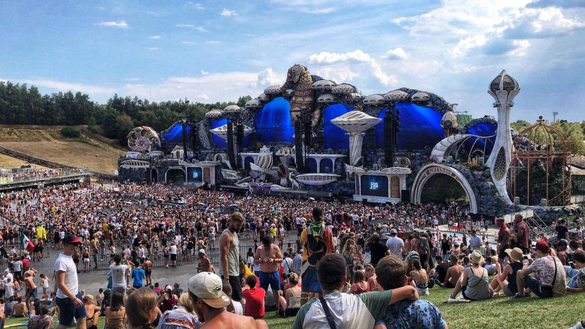 going to tomorrowland on your own