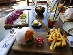 Lunch at Mondiall