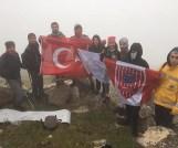 Nevşehirli gençlerden 15 Temmuz şehitleri anısına Hasan dağı zirve tırmanışı