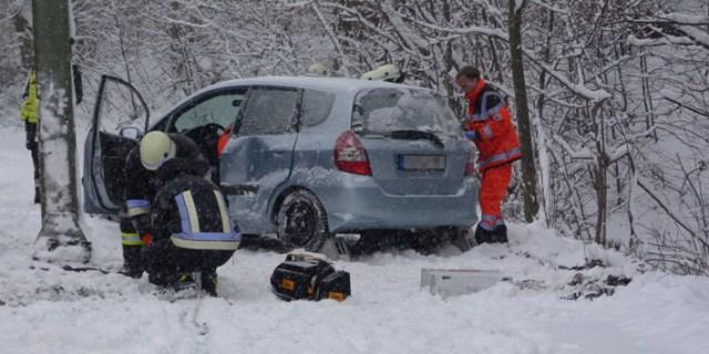 17-01-2013 verkehrsunfall-kempten adenauerring feuerwehr-kempten new-facts-eu-003