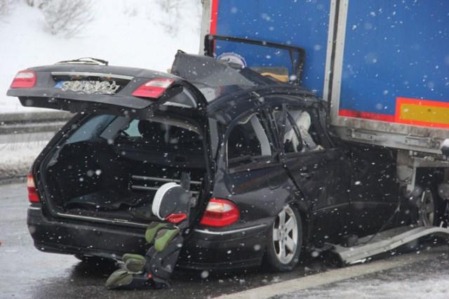 07-02-2013 bab-a96 leutkirch toedlicher-verkehrsunfall feuerwehr-leutkirch new-facts-eu