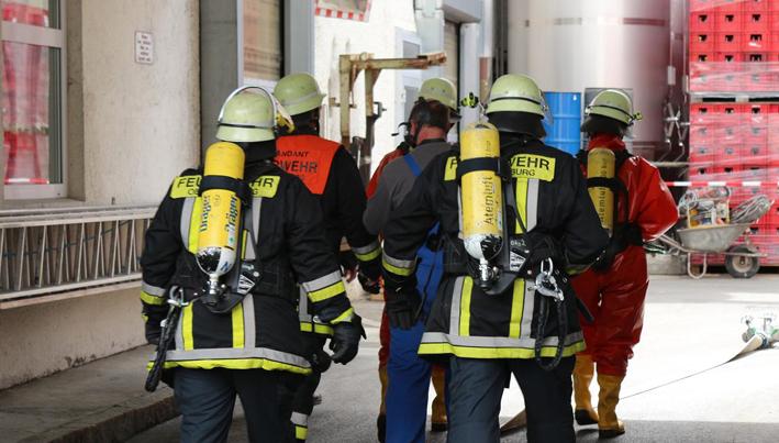 16-05-2013 obergünzburg gefahrstoffaustritt ammoniak feuerwehr-oberguenzburg bringezu new-facts-eu20130516 titel