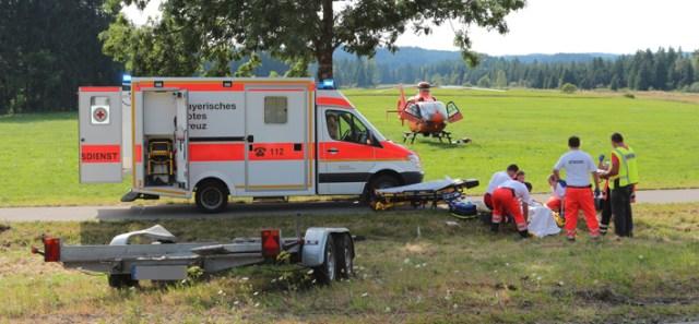 03-08-2013 b16 stotten heggen unfall feuerwehr-stotten bringezu new-facts-eu20130803 titel