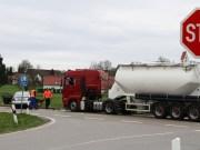 10-04-2014 ravensburg leutkirch herlazhofen unfall lkw stop-stelle groll new-facts-eu20140410 titel