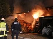 16-04-2014-biberach-rheinstetten-brand-stallung-feuerwehr-ochsenhausen poeppel new-facts-eu titel