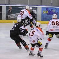 02-02-2014_eishockey_bayernliga-indians_ecdc-memmingen_esc-hassfurt_fuchs_new-facts-eu20140202_0083
