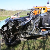 02-04-2014_lindau_oberreitnau_lkw_pkw_wohnwagen_unfall_schwerverletzte_groll_new-facts-eu20140402_0015
