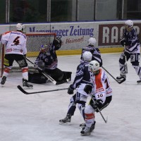 03-11-2013_memmingen_eishockey_indians_ecdc_ev-lindau_niederlage_fuchs_new-facts-eu20131103_0031