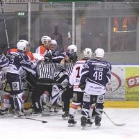 03-11-2013_memmingen_eishockey_indians_ecdc_ev-lindau_niederlage_fuchs_new-facts-eu20131103_0079
