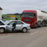 10-04-2014_ravensburg_leutkirch_herlazhofen_unfall_lkw_stop-stelle_groll_new-facts-eu20140410_0012