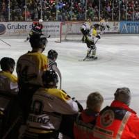 12-01-2014_allgau-derby_eishockey_indians_ecdc-memmingen_erc-sonthofen_niederlage_poeppel_new-facts-eu20140112_0004