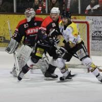 12-01-2014_allgau-derby_eishockey_indians_ecdc-memmingen_erc-sonthofen_niederlage_poeppel_new-facts-eu20140112_0030